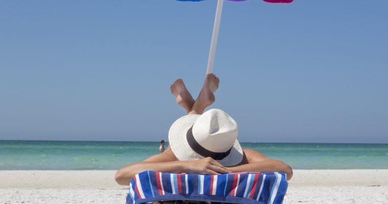 【2020年】海・プールで絶対焼かない日焼け対策、グッズをご紹介!