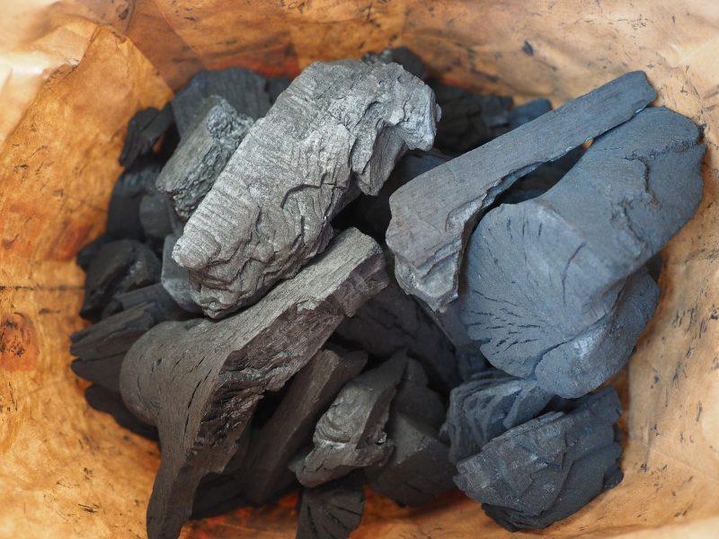 備長炭で焼く鰻は格別